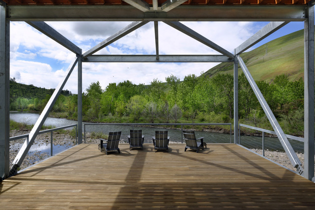 river place home%20 trusses cantilever both ends 2 deck thumb 630x420 16802 River Place Home Uses Trusses to Cantilever Both Ends