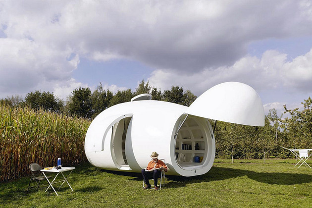significantly small living fully functional portable orb 1 main view thumb 630x420 16956 Significantly Small Living In A Fully Functional Portable Orb