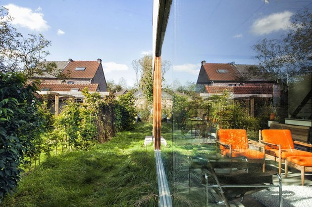smart-material-choices-blend-surroundings-7-reflection-office.jpg