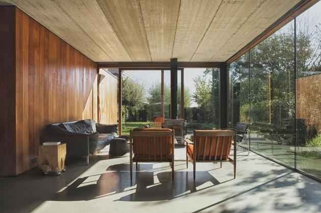 smart-material-choices-blend-surroundings-9-living-room.jpg