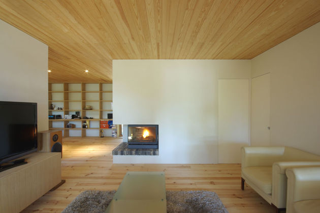 spacious-japanese-rancher-nestles-natural-environment-6-media.JPG