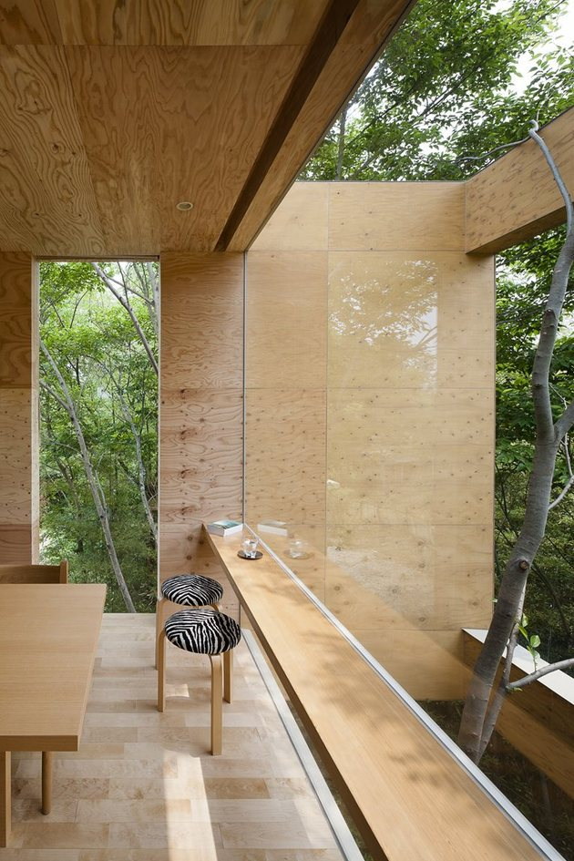 various-wood-finishes-populate-uniquely-natural-japanese-home-tree.jpg