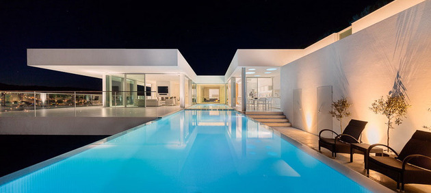 access-above-overhanging-portuguese-villa-8-9-night-pool-large.jpg