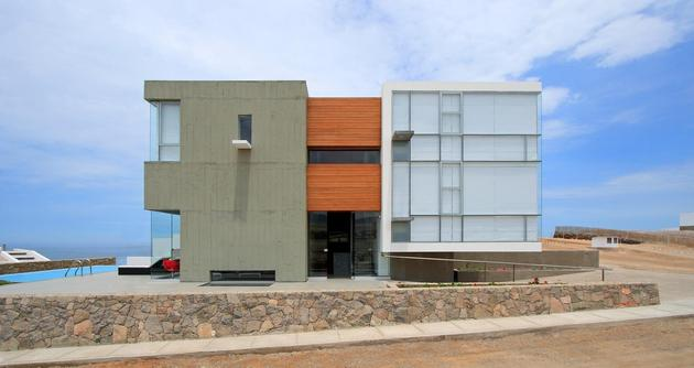 casa-cc-playa-misterio-peru-doubles-up-design-elements-15-facade.jpg