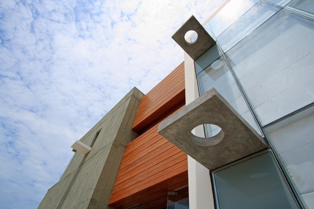 casa-cc-playa-misterio-peru-doubles-up-design-elements-16-facade-detail.jpg
