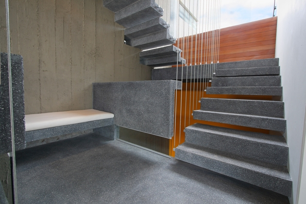 casa-cc-playa-misterio-peru-doubles-up-design-elements-19-stairwell.jpg