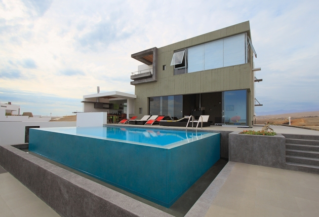 casa cc playa misterio peru doubles up design elements 2 pool thumb 630x428 20205 Casa CC in Playa Misterio Peru Doubles Up Design Elements