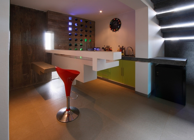 casa-cc-playa-misterio-peru-doubles-up-design-elements-8-bar.jpg