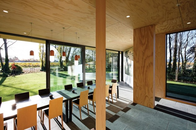 cloudy-bay-shack-new-zealand-designed-indoor-outdoor-entertaining-8-dining.jpg
