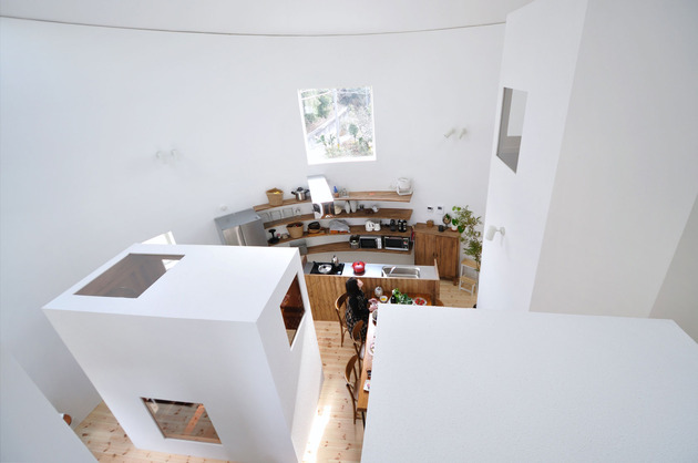 compact-circular-home-unique-space-divisions-4-kitchen-third-block.jpg