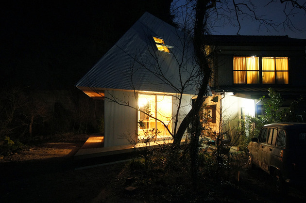 compact-diamond-shaped-house-plan-yuji-tanabe-18-night-lights.jpg
