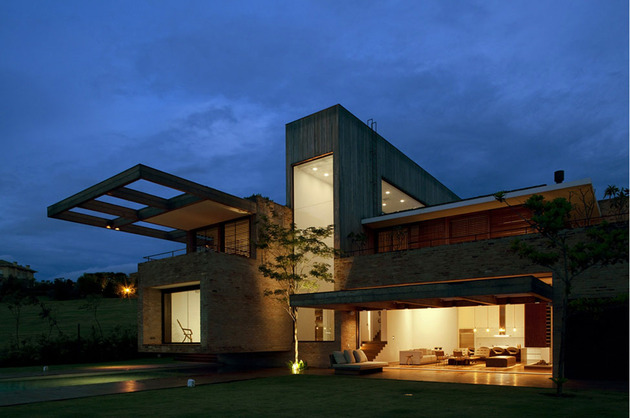 contemporary-hillside-home-brazil-disappears-into-landscape-13-exterior.jpg
