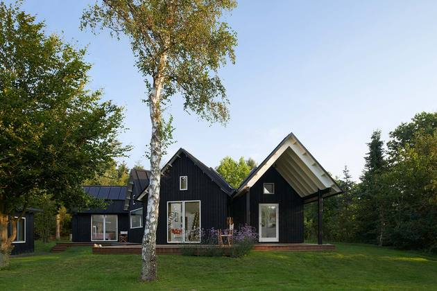 contemporary yet traditional danish summer cabin 1 thumb 630x420 19169 Contemporary yet Traditional Danish Summer Cabin