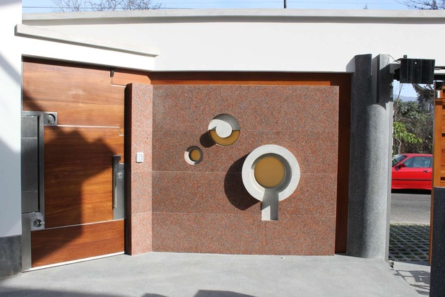 creatively-cool-dual-cantilevered-house-peru-13-doorside-pattern.jpg