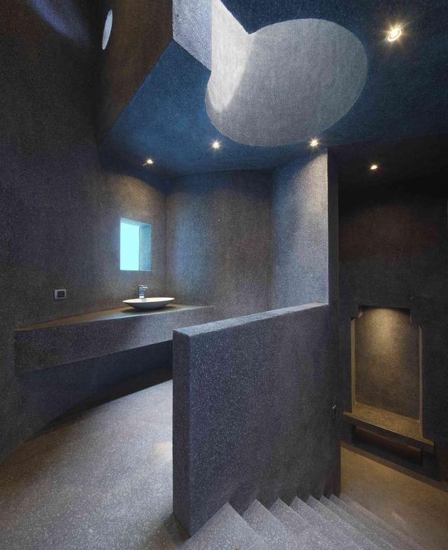 creatively-cool-dual-cantilevered-house-peru-21-circular-bathroom-top.jpg
