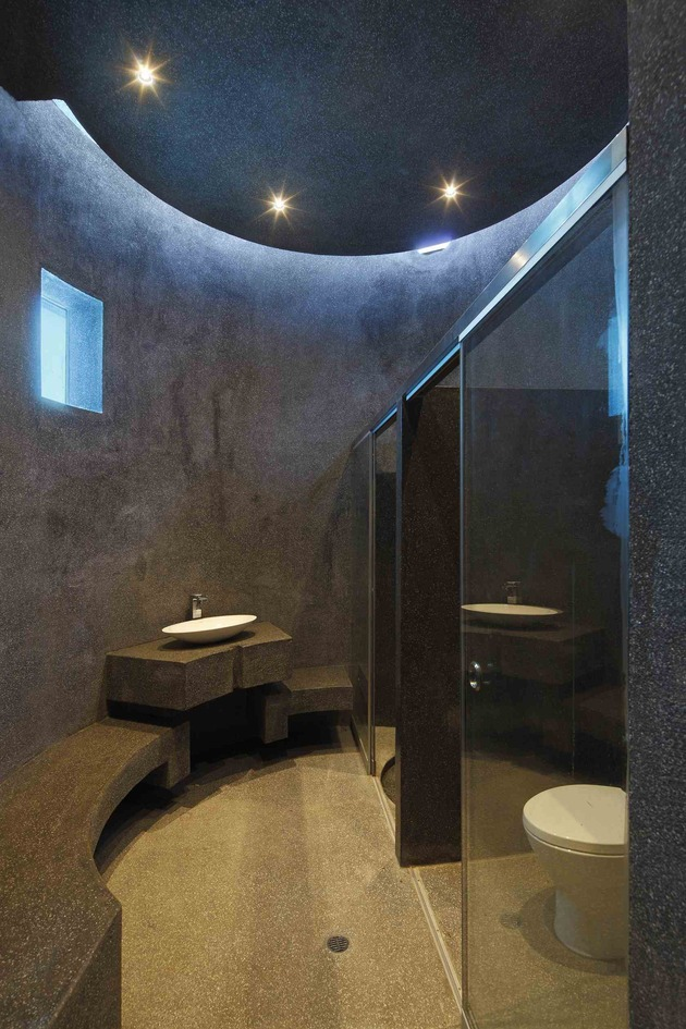 creatively-cool-dual-cantilevered-house-peru-23-circular-bathroom-bottom.jpg