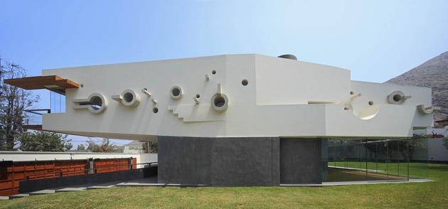 creatively-cool-dual-cantilevered-house-peru-6-patterned-side.jpg