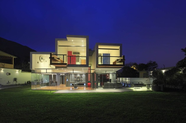 creatively-cool-dual-cantilevered-house-peru-9-rear-straight-on.jpg