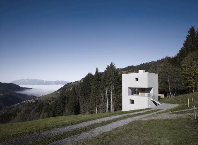 cubic concrete mountain cabin by marte.marte architekten 1 thumb 630x461 19151 Cubic Concrete Mountain Cabin by Marte.Marte Architekten