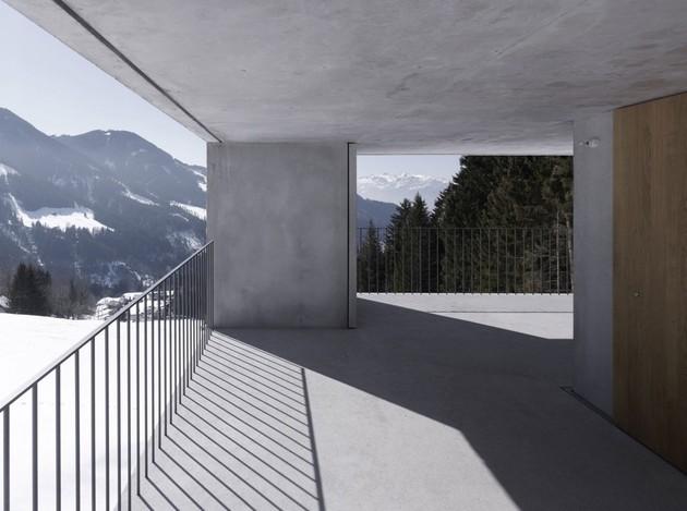cubic-concrete-mountain-cabin-by-marte.marte-architekten-6.jpg