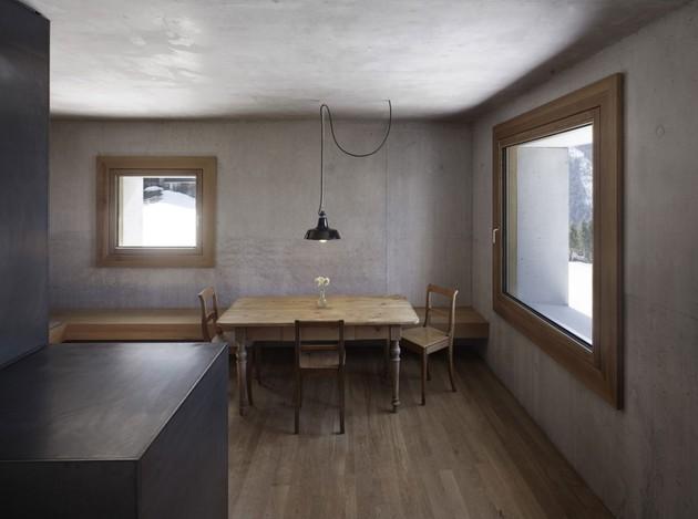 cubic-concrete-mountain-cabin-by-marte.marte-architekten-7.jpg