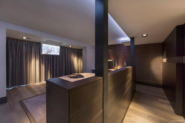 custom-details-create-visual-feast-minimalist-home-18-bedroom-tv.jpg