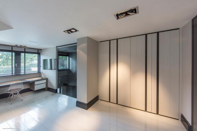 custom-details-create-visual-feast-minimalist-home-22-bedroom-4.jpg