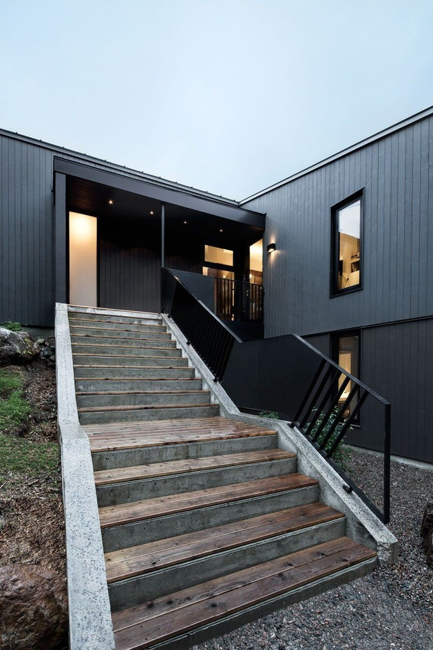 diagonal-roofline-defines-extensive-canadian-hill-lot-home-4-stairs.jpg