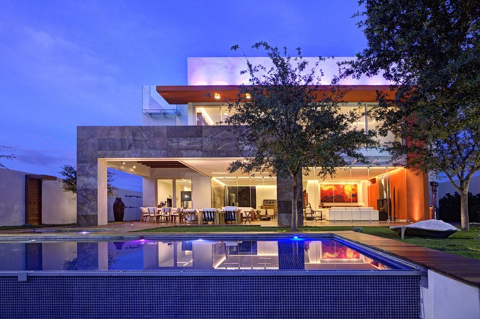 Bon Diverse Luxury Touches Within Complex Open House Design