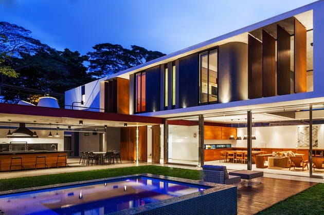dual-direction-concrete-home-surrounds-poolside-courtyard-brazil-3-pool.jpg