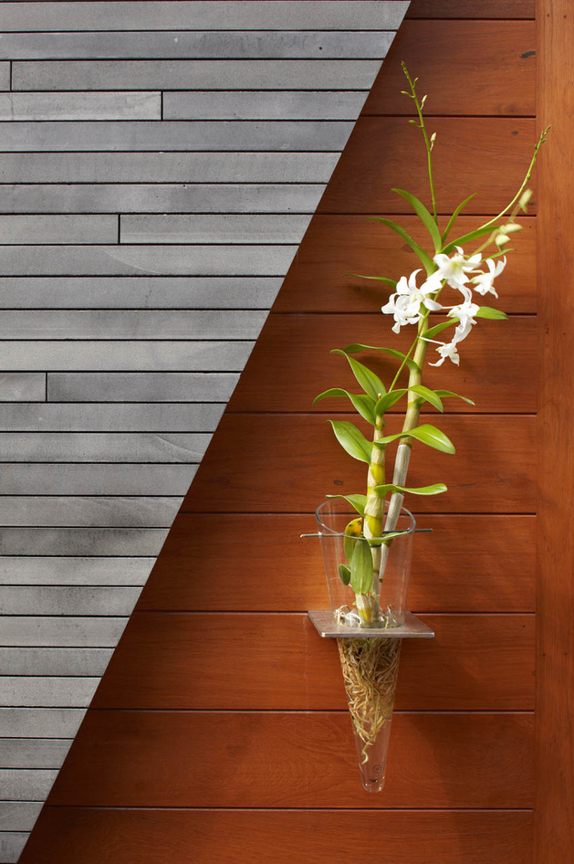 eco-friendly-kona-home-hawaiian-craftsmanship-modern-details-16-vase.jpg