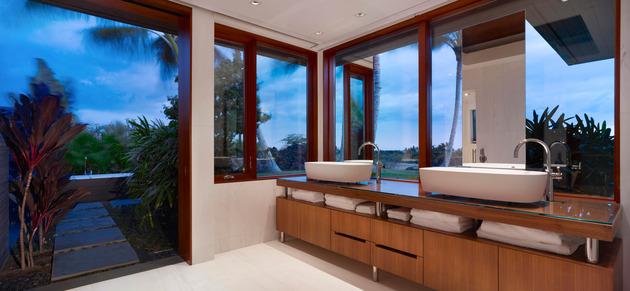 eco-friendly-kona-home-hawaiian-craftsmanship-modern-details-20-bath.jpg