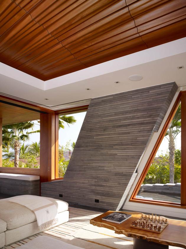 eco-friendly-kona-home-hawaiian-craftsmanship-modern-details-3-interior.jpg