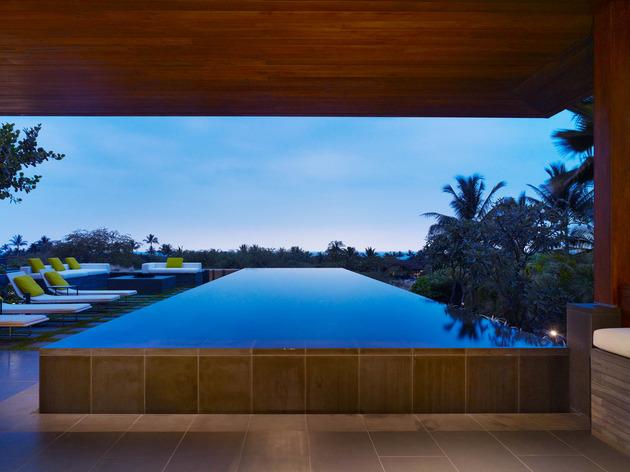 eco-friendly-kona-home-hawaiian-craftsmanship-modern-details-4-pool.jpg
