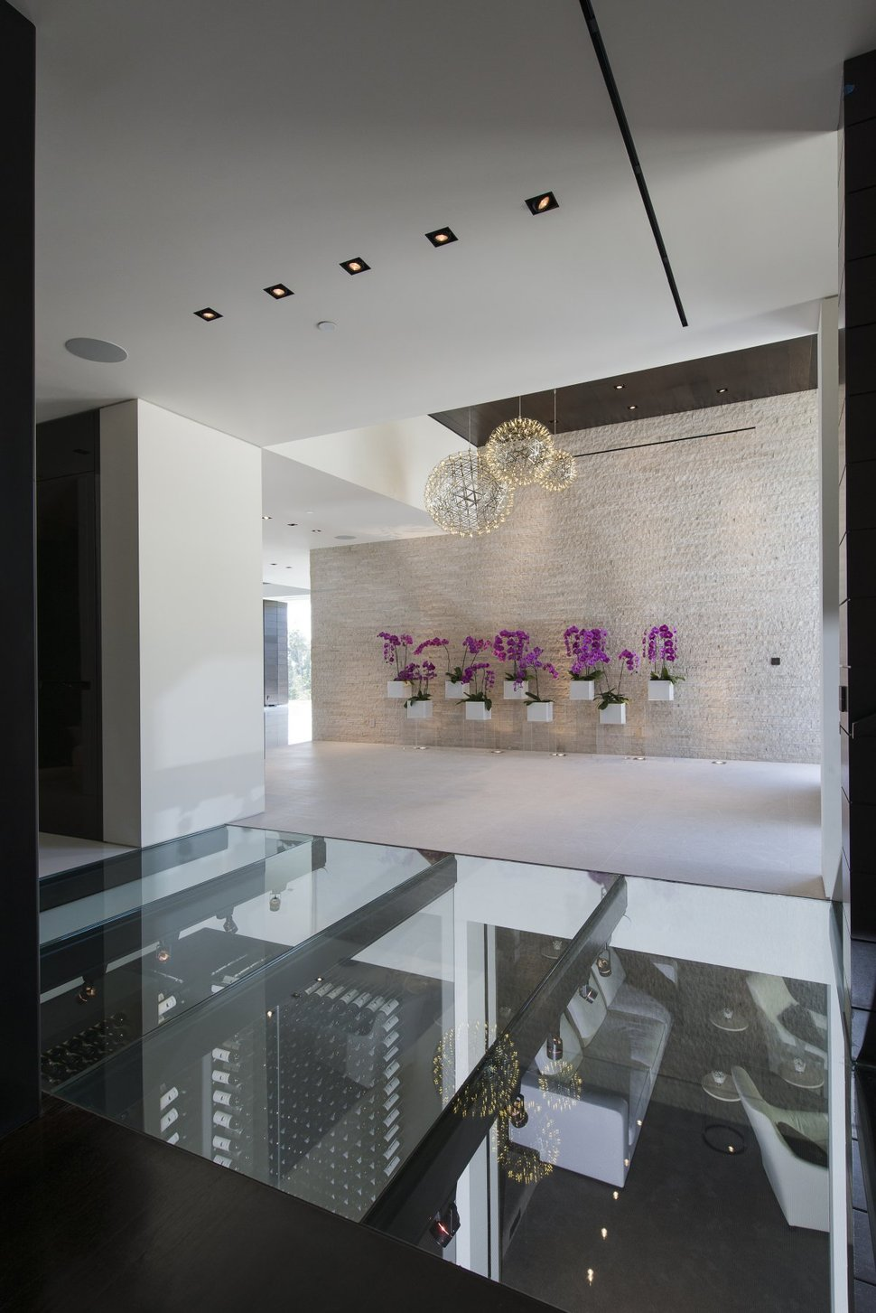 Extravagant Contemporary Beverly Hills Mansion With