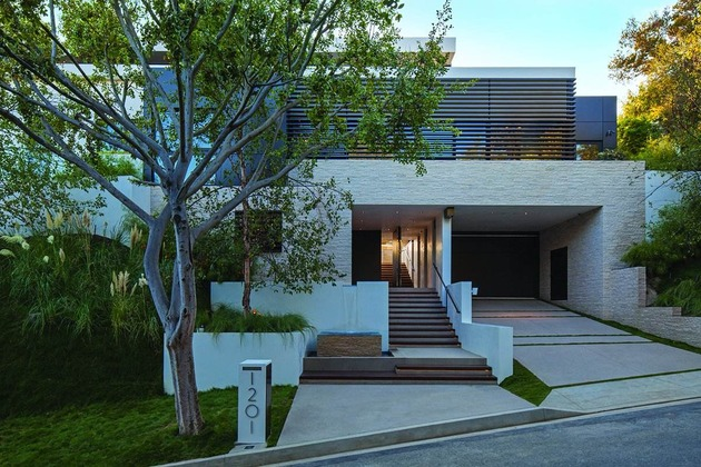 extravagant-contemporary-beverly-hills-mansion-with-creatively-luxurious-details-3-public-entrance.jpg