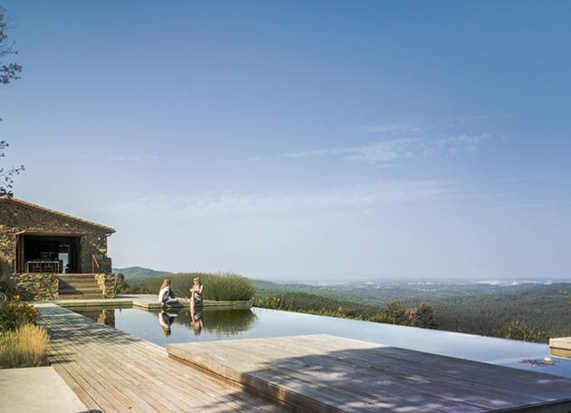 fantastic-spanish-estate-renovation-preserves-precious-traditional-architecture-5-pool.jpg