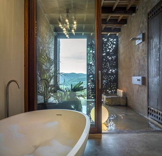 fantastic-spanish-estate-renovation-preserves-precious-traditional-architecture-6-bathroom.jpg