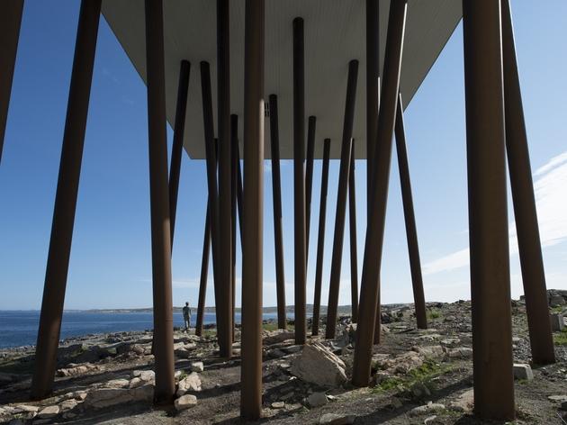 fogo-island-inn-offers-design-inspiration-modern-lifestyles- 10-outdoors.jpg