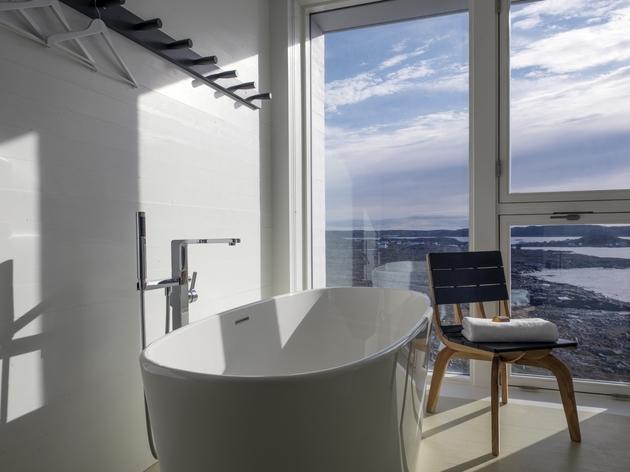 fogo-island-inn-offers-design-inspiration-modern-lifestyles- 5-bathroom.jpg
