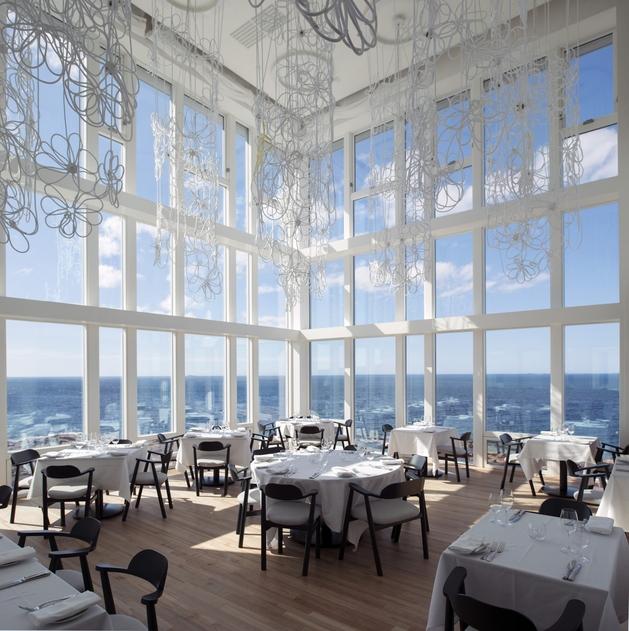 fogo-island-inn-offers-design-inspiration-modern-lifestyles- 9-dining.jpg