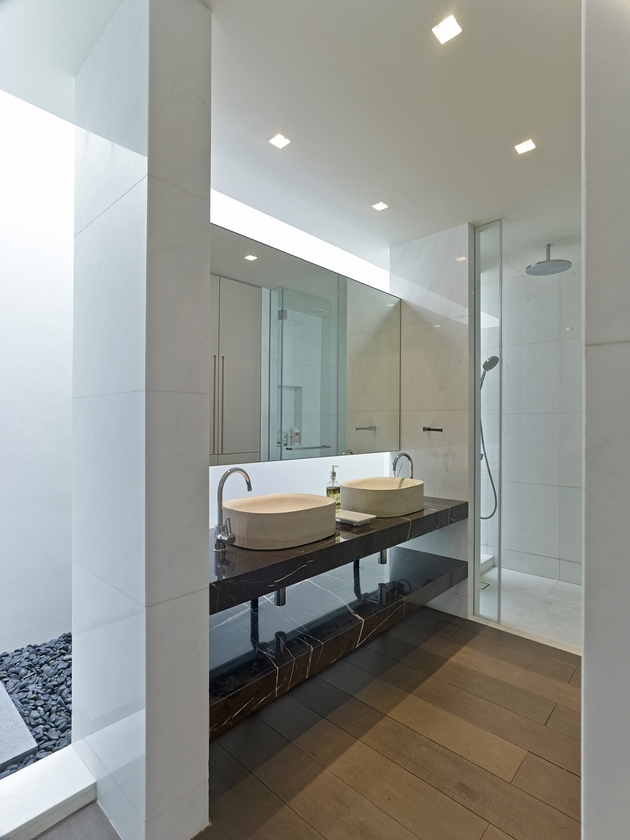 gabled-roof-jazzes-up-minimalist-y-house-singapore-19-ensuite.jpg