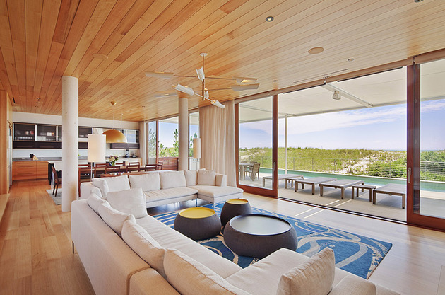 hamptons-beach-house-with-elegant-metal-screen-7.jpg