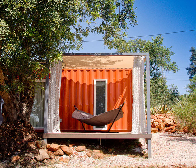 industrial-chic-home-created-from-shipping-container-portugal-9-sleeping.jpg