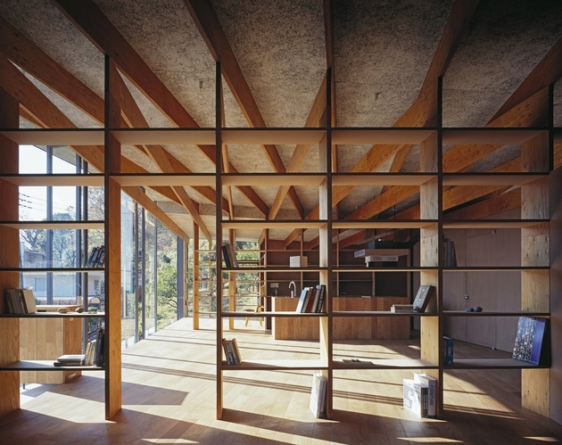 japanese-residence-with-wood-and-glass-geometry-19.jpg