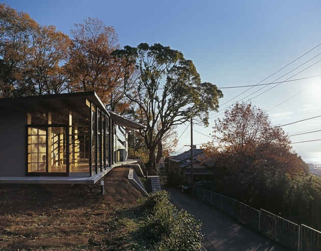 japanese residence with wood and glass geometry 3 thumb 630x493 21175 Japanese Residence with Wood and Glass Geometry
