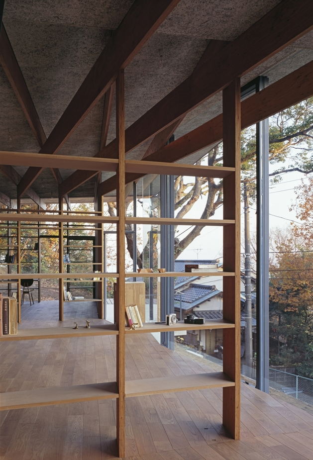 japanese-residence-with-wood-and-glass-geometry-6.jpg