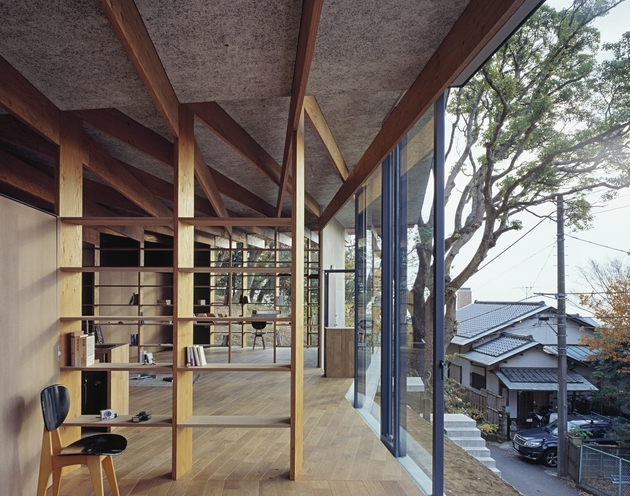 japanese-residence-with-wood-and-glass-geometry-7.jpg