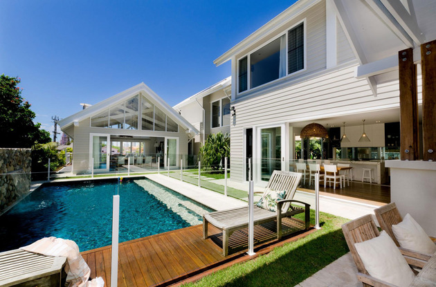 large spaces poolside living contemporary seaside home 2 poolside thumb 630x415 19066 Poolside Living in Contemporary Seaside Home