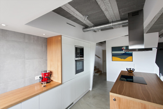 less-more-mantra-scandinavian-style-beam-block-house-5-kitchen.jpg